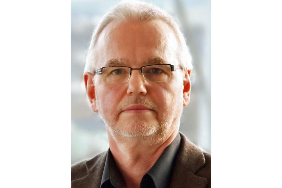 Dr. Thomas Grünewald ist Facharzt für Innere Medizin und Infektiologie. Er leitet die Klinik für Infektiologie in Chemnitz.