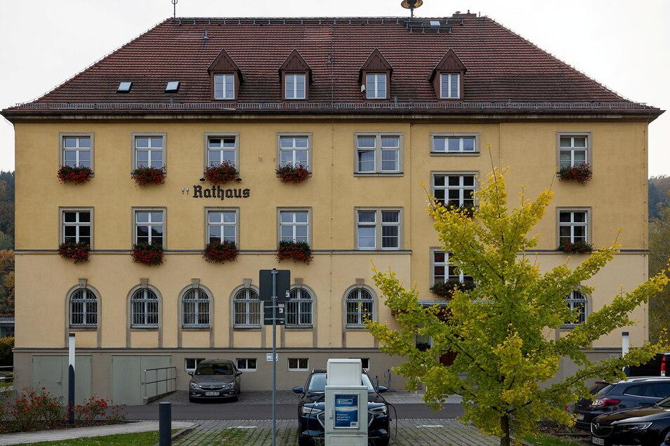 Rathaus von Bad Schandau. Im kommenden Jahr steht der Bürgermeister zur Wahl.