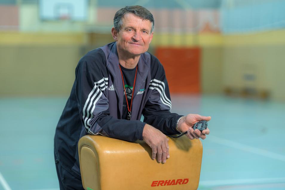 Andreas Petermann arbeitet als Sportlehrer an einer Schule in Grimma. Zur Arbeit fährt er am liebsten mit dem Rad.