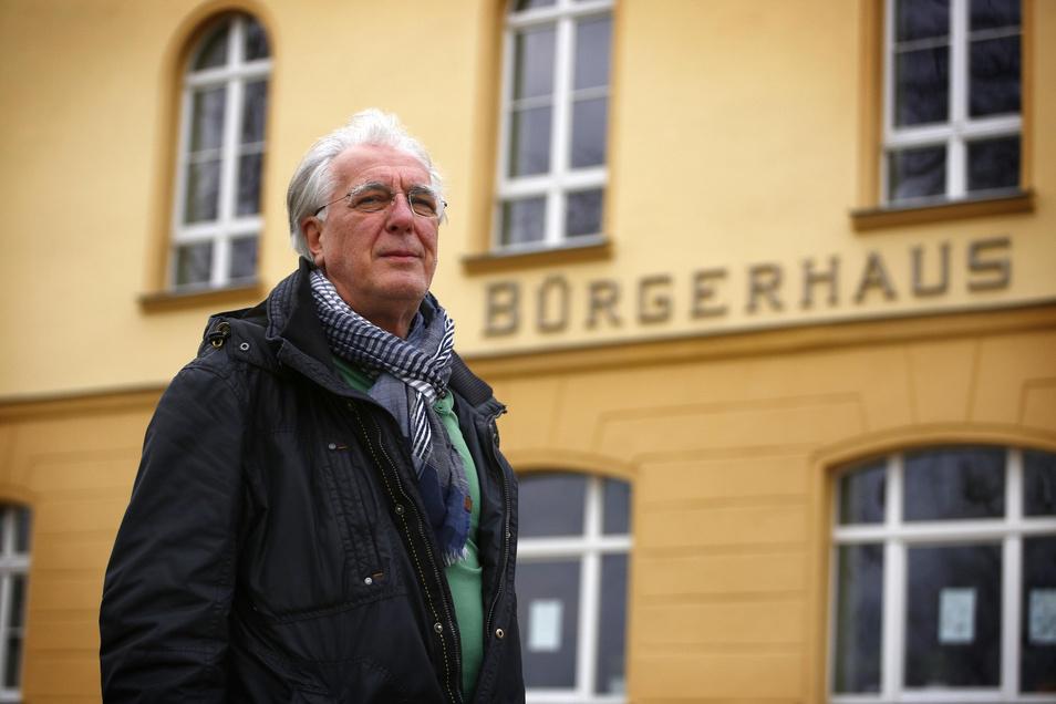 Wolfgang Hoffmann ist seit fünf Jahren der Friedensrichter für die Region Pulsnitz. aber seine Amtszeit endet bald. Die Stadt hat das Ehrenamt ausgeschrieben. Bisher meldete sich kein Interessent.