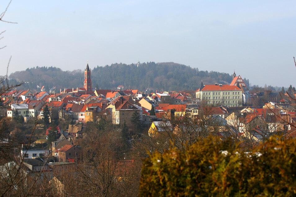 """Kamenz ist seit 2004 Mitglied im Städte- und Friedensbündnis """"Mayors für Peace"""". Das soll sie künftig stärker zeigen, fordert ein Einwohner."""