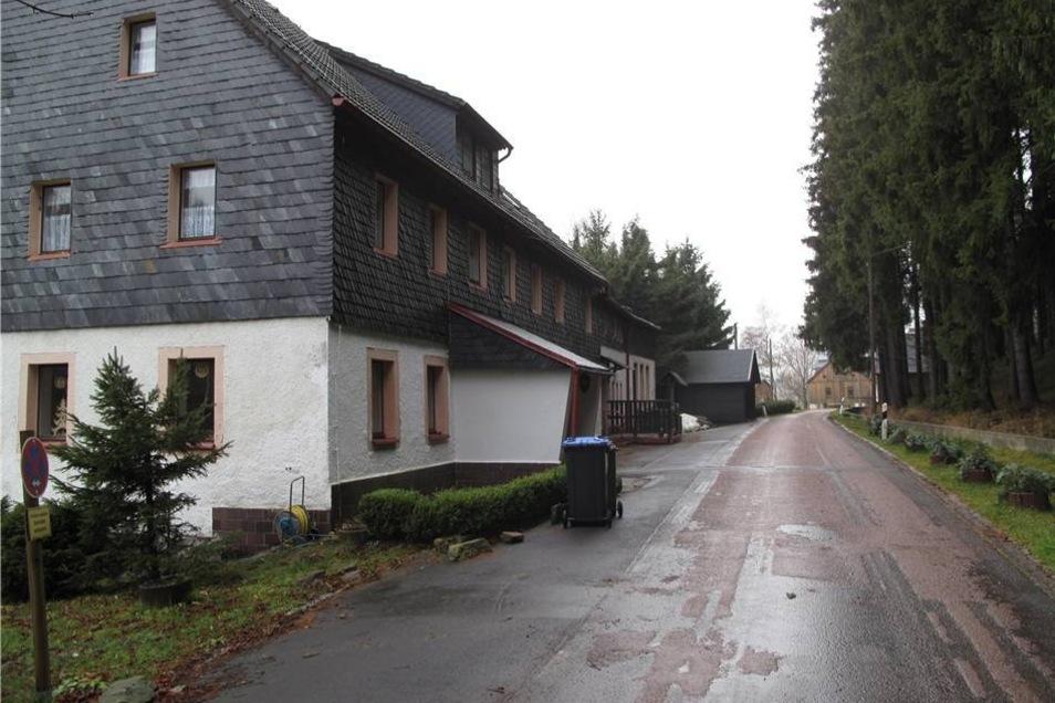 In diesem Haus in Reichenau betreibt der mutmaßliche Täter eine Pension.