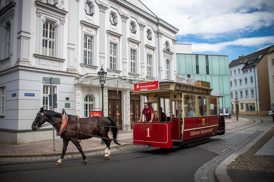 Eigentlich sollte die Döbelner Pferdebahn am Wochenende zum ersten Mal fahren. Aber der Termin mit Kinderfest wurde verschoben.