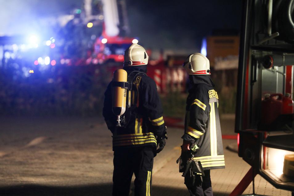 Am 22. Juni vergangenen Jahres brannte es gegen 22 Uhr auf dem Gelände des Entsorgungsunternehmens Nestler. Auch damals wurde wegen Brandstiftung ermittelt, so wie jetzt im Falle der abgefackelten Mülltonnen.