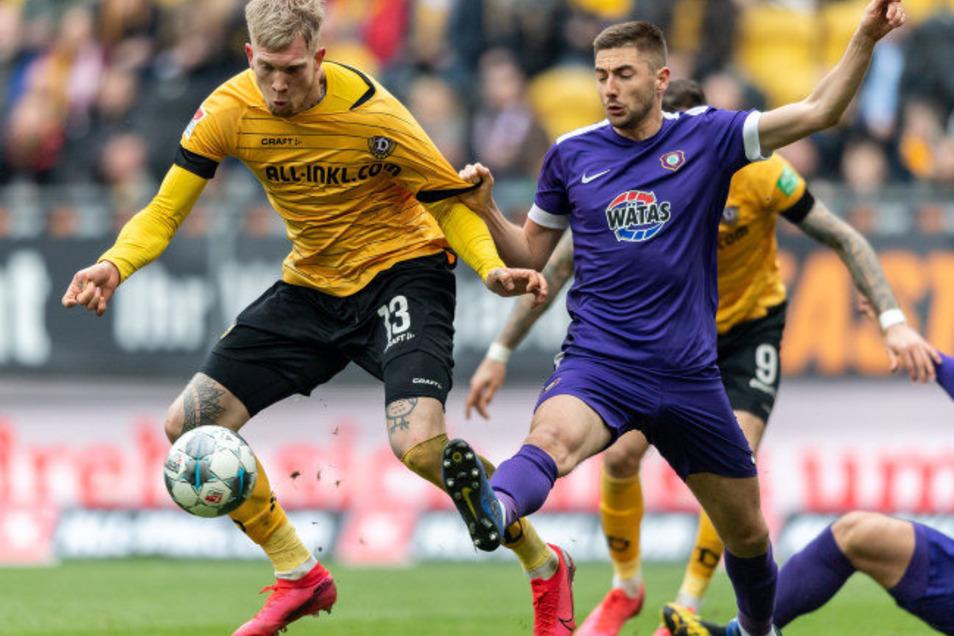 Auch wenn sie derzeit nicht spielen können wie am 3. März im Rudolf-Harbig-Stadion, drohen trotz der Einnahmeausfälle den Zweitligisten Dynamo Dresden und Erzgebirge Aue keine Insolvenzen.