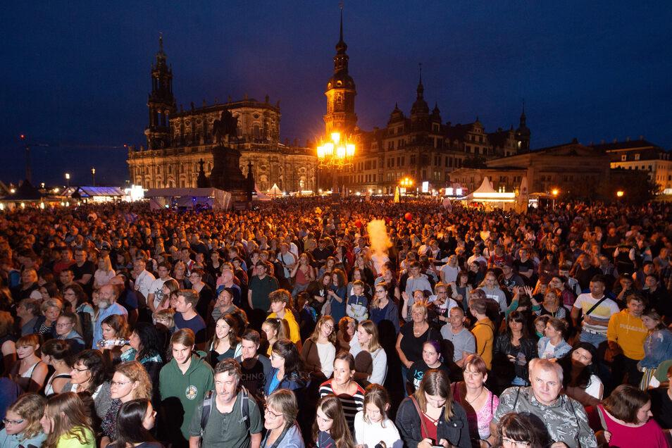 Schwer vorstellbar, dass im Oktober 2020 tausende Menschen im Stadtzentrum miteinander feiern?Dresdner Stadtfest 2019.