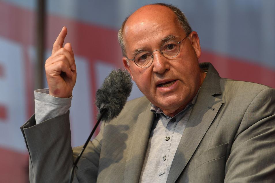 Der Chef der europäischen Linken, Gregor Gysi (71), hier bei einer Wahlkundgebung in Bremen, sieht wieder Chancen für Rot-Rot.