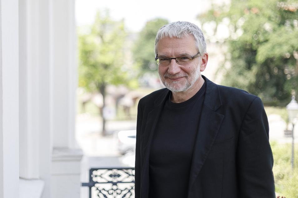 Klaus Arauner, Generalintendant des Gerhart-Hauptmann-Theaters, erlebt gerade die ungewöhnlichste Spielzeit seines Berufslebens.