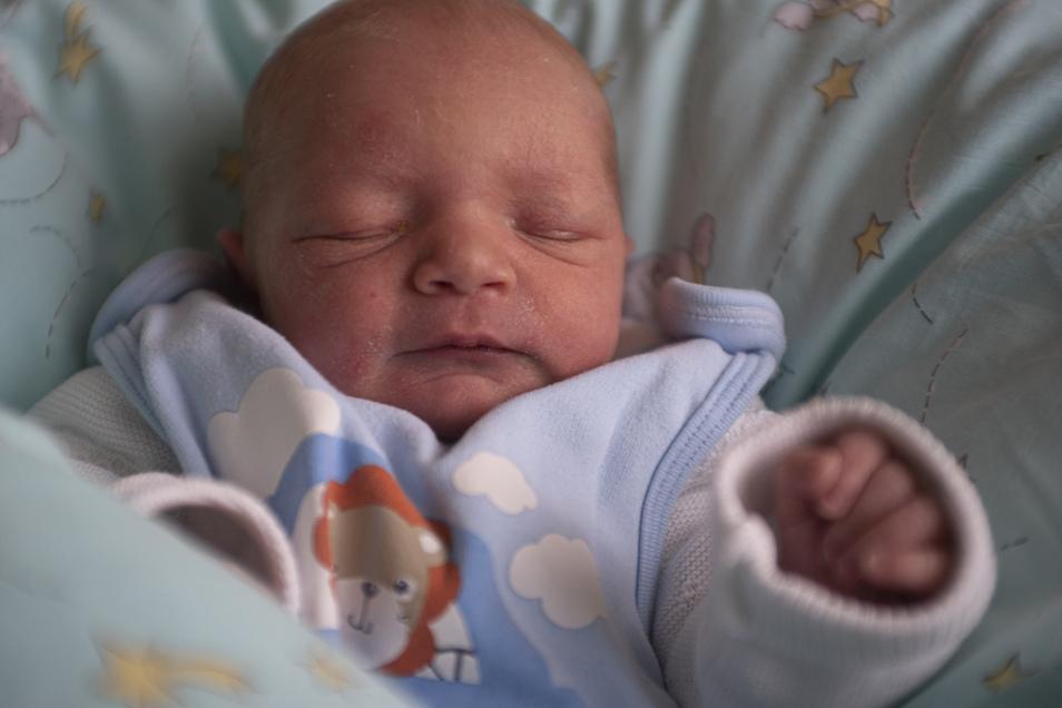 Jason Geboren am 3. Februar Geburtsort Wetro Gewicht 2.710 Gramm Größe 46 Zentimeter Eltern Manja und Kai Bergmann Wohnort Wetro