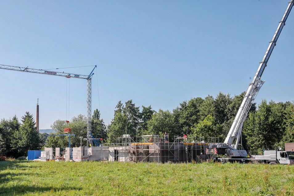Zwei Eigenheime werden derzeit gebaut, der Bau eines dritten beginnt in Kürze.