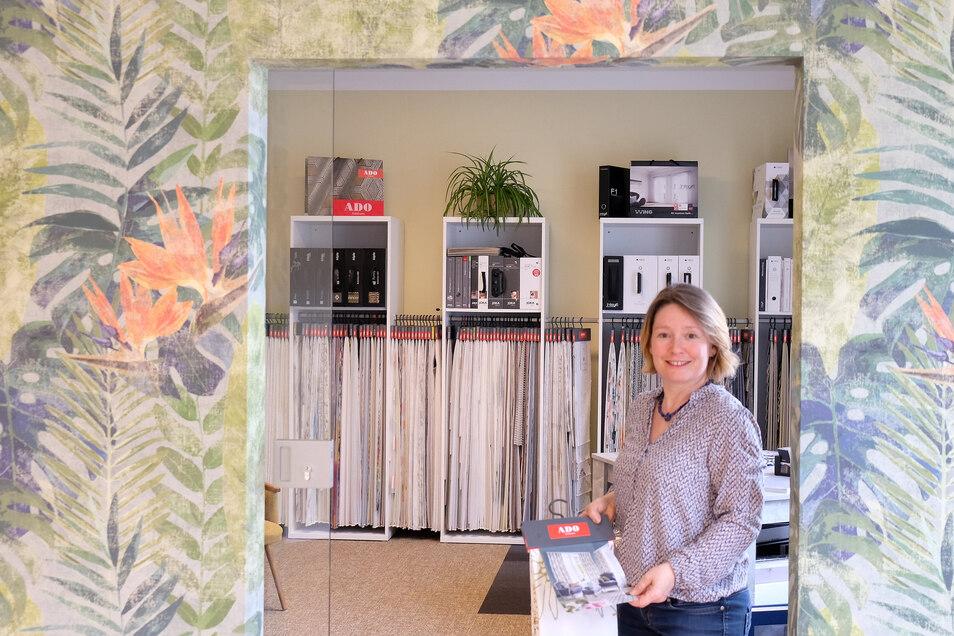 Maler Weder sponsert den Verantstaltungsort. Deshalb gibt es einen Showroom, der die Produkte der Meißner Firma ausstellt. Anna Giese betreut ihn.