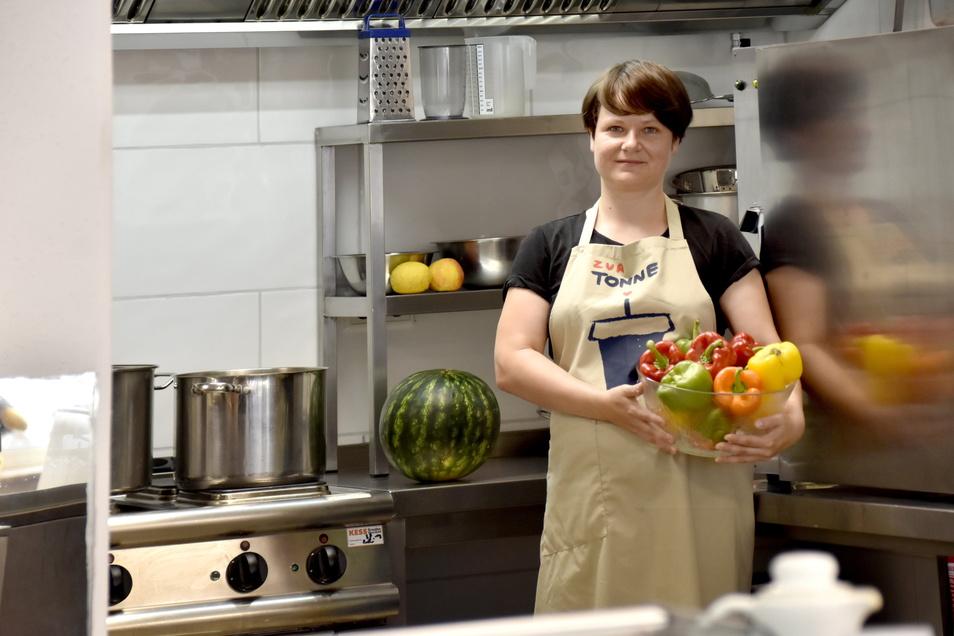 """Es darf gekocht werden: Mit ihrem Projekt """"Zur Tonne"""" leistet Stefanie Nünchert ihren Beitrag gegen die grassierende Lebensmittelverschwendung."""