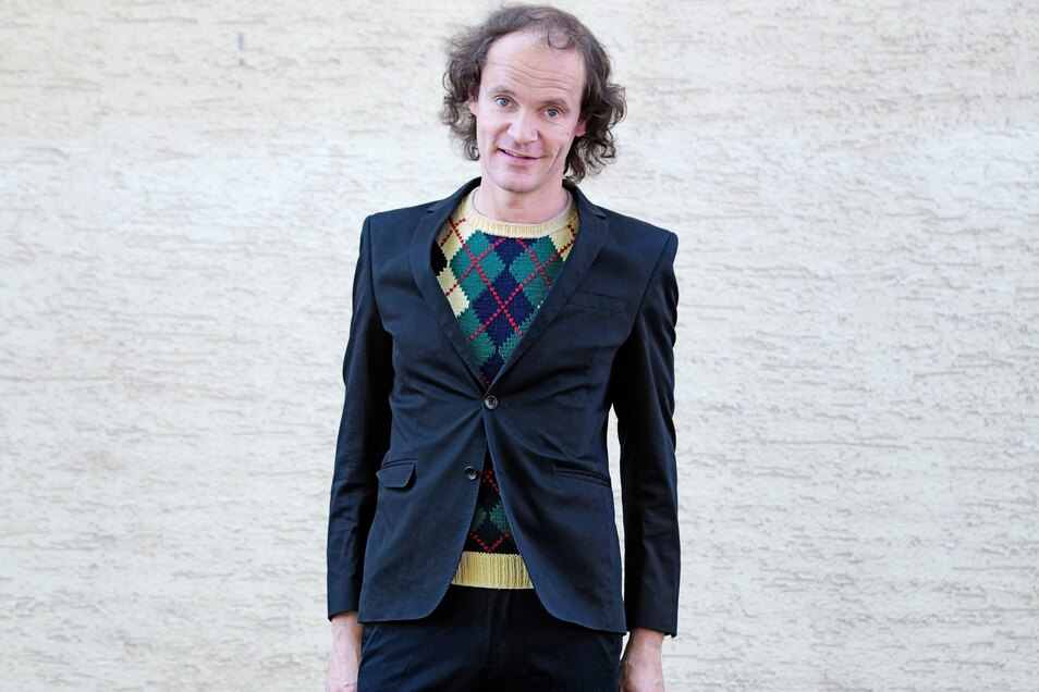 Der Dresdner Humor-König Olaf Schubert kommt am 16. & 17. Juli in die Junge Garde.