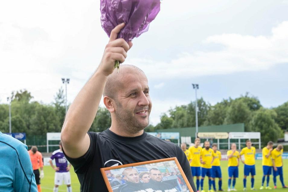 Elvir Jugo feierte mit dem VfL Pirna-Copitz 07 den Aufstieg in die Landesliga, 2016 wurde er dort verabschiedet.