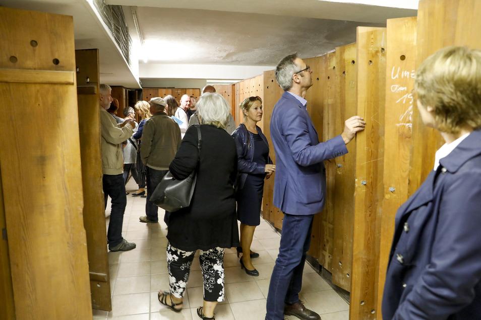 Dabei können Besucher unter anderem die Umkleideräume begutachten.