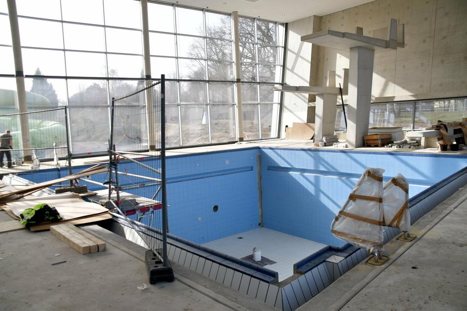 Im Kombibad wird es ein eigenes Sprungbecken mit Einer-, Dreier- und Fünfer-Ebene geben.