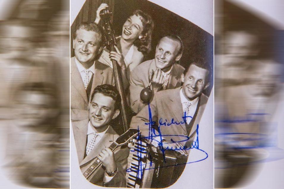 Heinz Kunerts (r.) Quartett trat regelmäßig mit der Sängerin Helga Endlich auf.