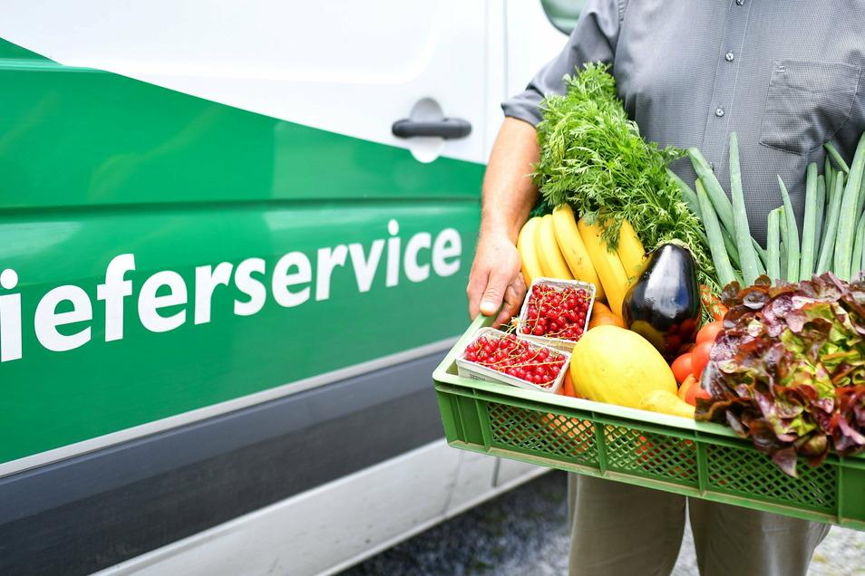 Fertig gepackte Gemüsekiste, auch im Abonnement: Lieferanten von Bio-Lebensmitteln kommen in der Pandemiezeit gut an. Die Öko-Anbaufläche in Sachsen hat sich innerhalb von fünf Jahren verdoppelt.