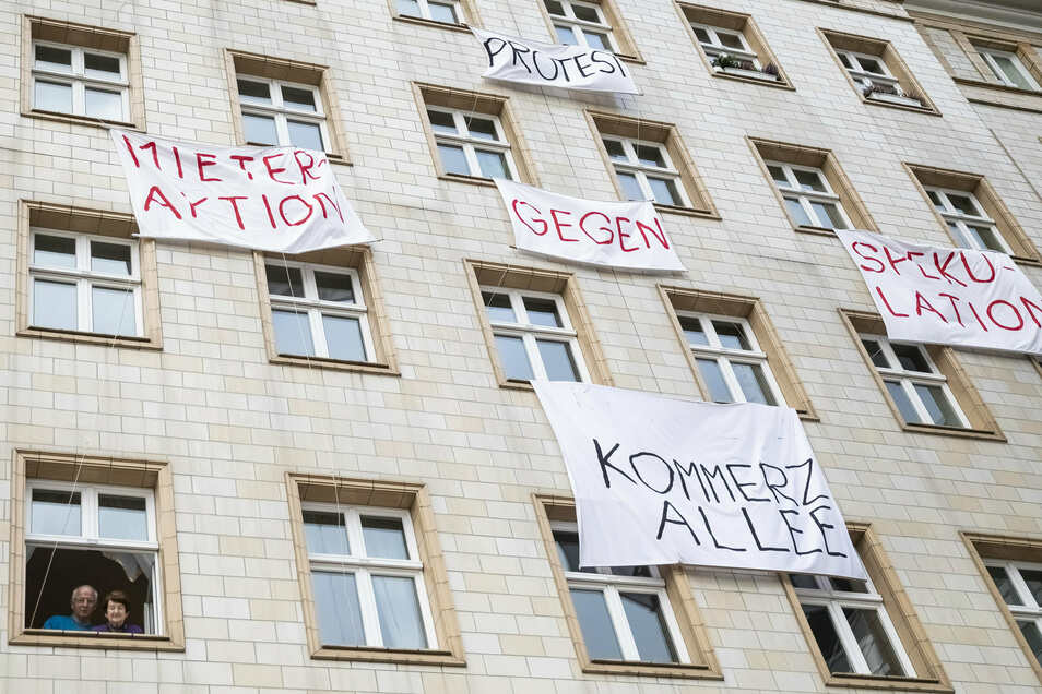 Ende 2018 rebellieren Mieter in der Berliner Karl-Marx-Allee gegen den Verkauf ihrer Wohnungen an die Deutsche Wohnen SE. Ein Volksbegehren fordert dort sogar, den Konzern zu enteignen.