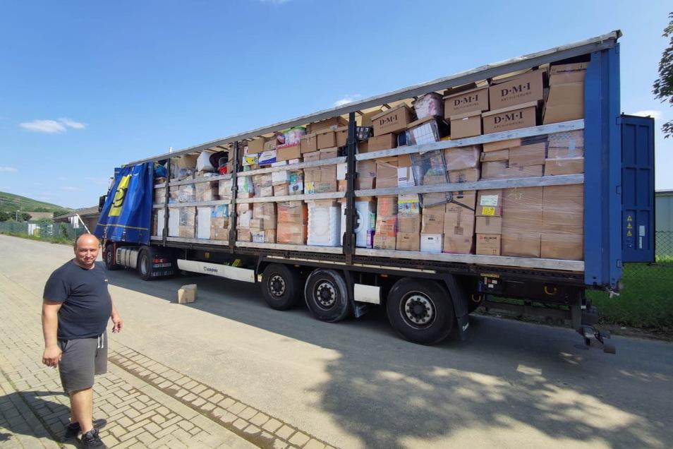 Als Soforthilfe hatten Mitglieder und Helfer des Roßweiner Sportvereins Sachspenden ins Ahrtal geschickt. Jetzt sind noch einmal knapp 10.000 Euro Geldspenden zusammengekommen.