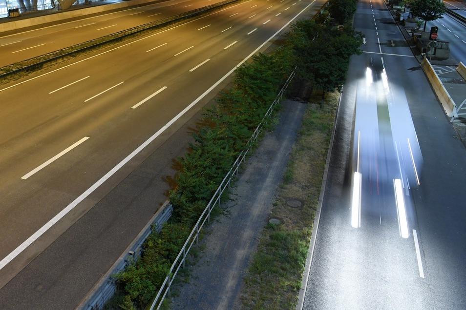 Ein acht Jahre alter Junge ist bei Soest über die Autobahn gerauscht.