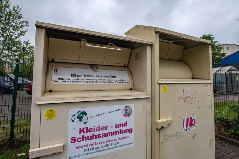 Mit dem Zusammenbruch der Verwertungswege für Altkleider wegen der Corona-Krise hat auch die Entsorgungsgesellschaft Döbeln zu kämpfen. Ein Abschließen oder der Einzug der Container kommt für sie aber nicht infrage.