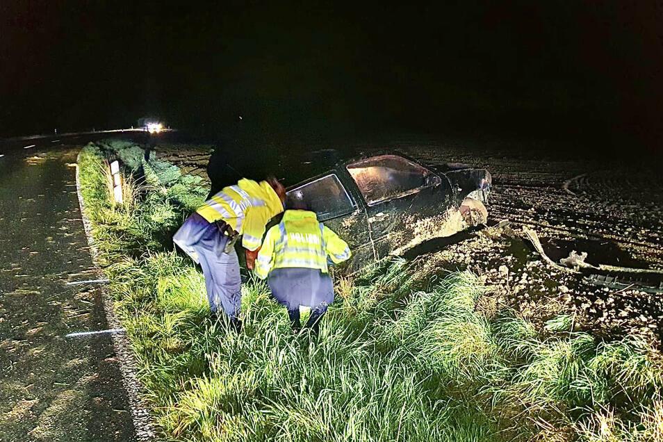 Der Polo hatte sich mehrfach überschlagen, die Fahrerin wurde schwer verletzt.