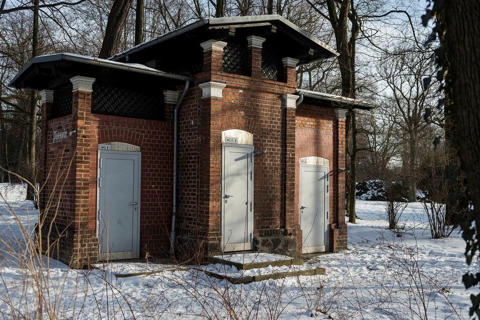Das Toilettenhäuschen am Stadtpark ist nicht beheizbar und deshalb immer vom 1. November bis 31. März geschlossen.