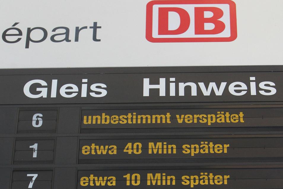Solche Anzeigen auf Bahnhöfen sind in den vergangenen Wochen viel seltener geworden.