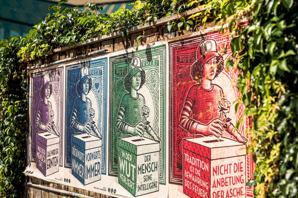 Vier verschiedenfarbige Motive mit je einem anderen Zitat umfasst die Kampagne.