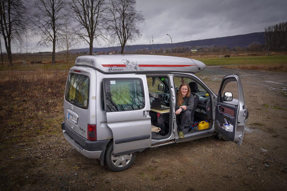 Mit ihrem rollenden Zuhause sucht sich Anja Müller einsame Orte, an denen sie beides hat: Natur und Netz.