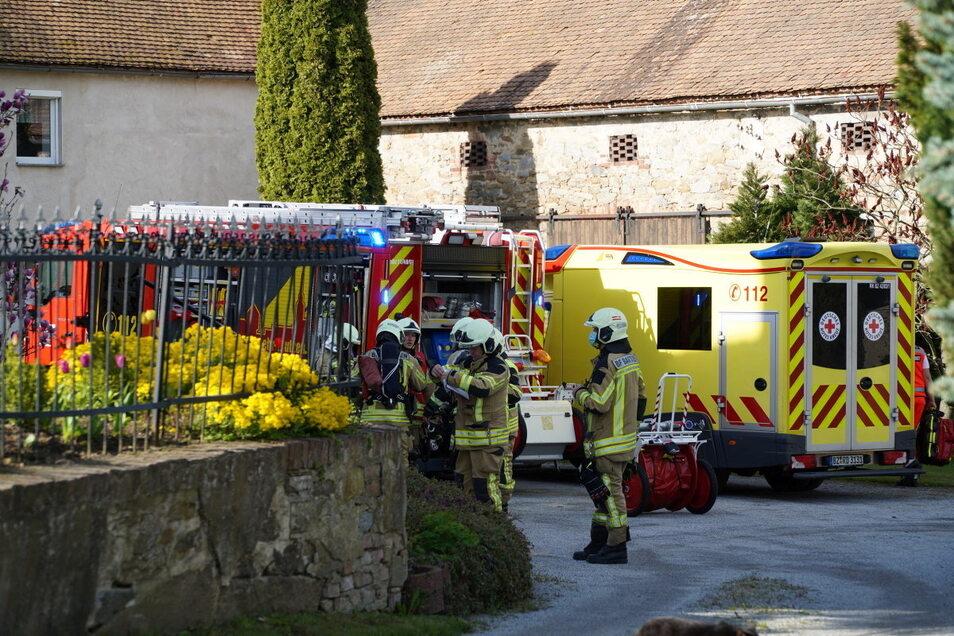 Wegen des Brandes eines Sicherungskastens im Bautzener Stadtteil Oberkaina war die Feuerwehr mit einem Löschzug im Einsatz. Auch der Rettungsdienst war vor Ort.