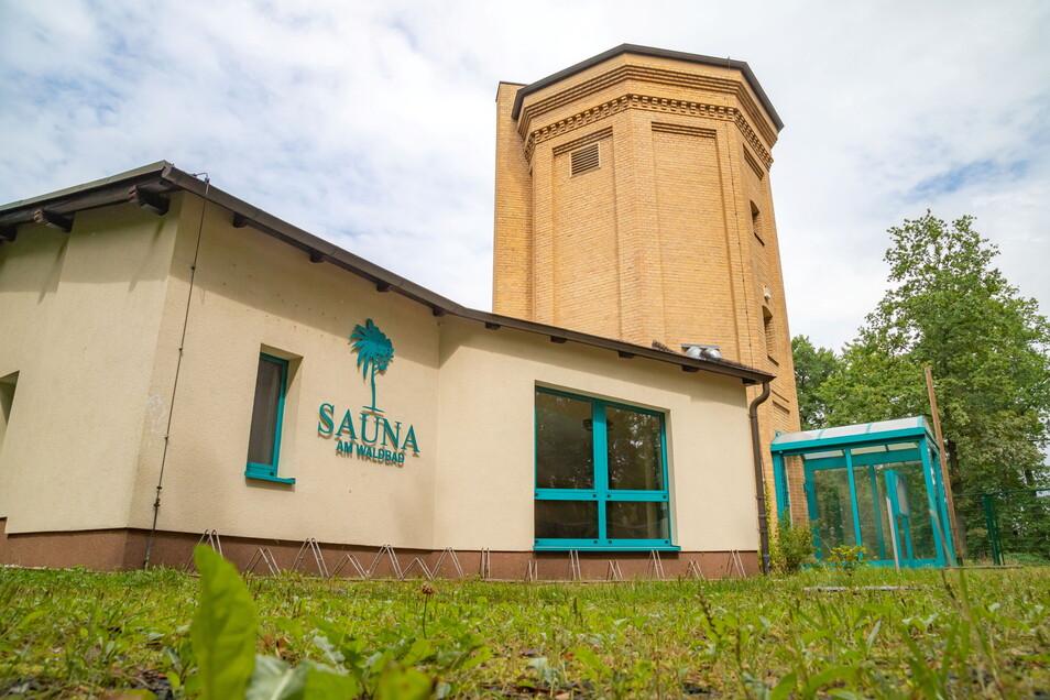 Seit diesem Jahr steht die Sauna am Waldbad leer. Die Stadt Niesky sucht wieder einen neuen Betreiber für das Objekt am Wasserturm.