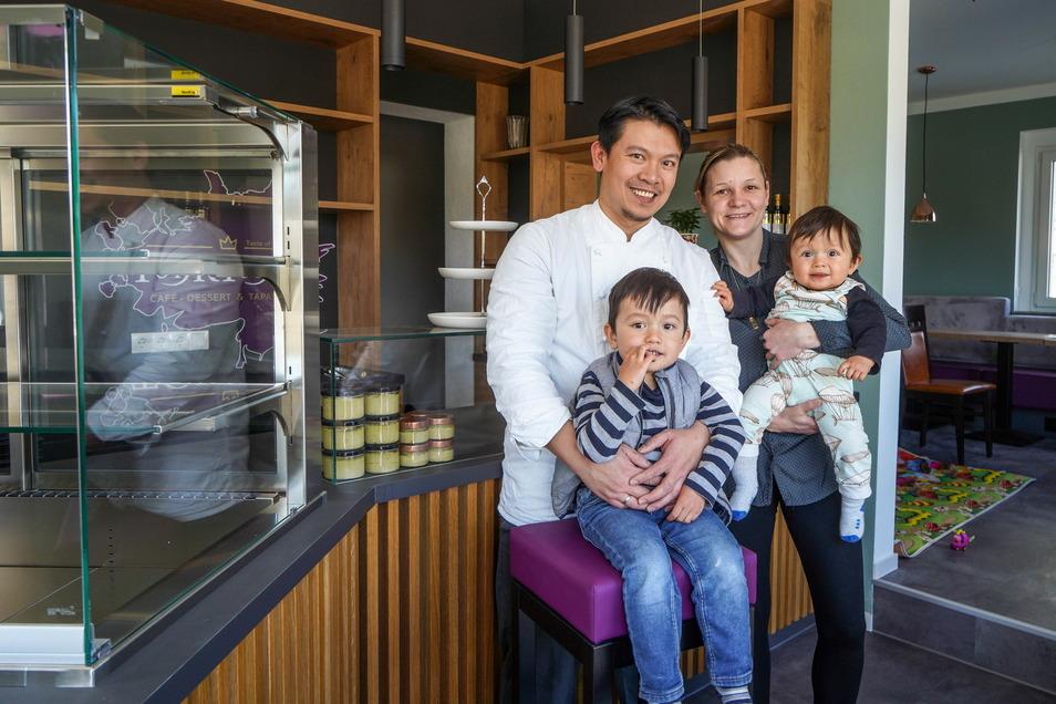 Redi Ramli aus Indonesien träumt seit seiner Ankunft in Deutschland 2018 vom eigenen Laden. Alles war vorbereitet, dann kam Corona. Abwarten wollen er und seine Frau Susanne trotz Notbremse aber nicht mehr: Am Sonnabend eröffnen sie ihre Dessert- und Snac