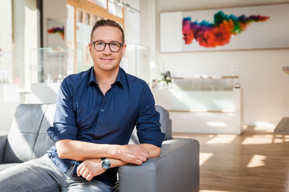 Seit 25 Jahren in der Branche, seit fünf Jahren selbstständig in Meißen: Hörakustikermeister Adrian Rößger blickt optimistisch in die Zukunft.