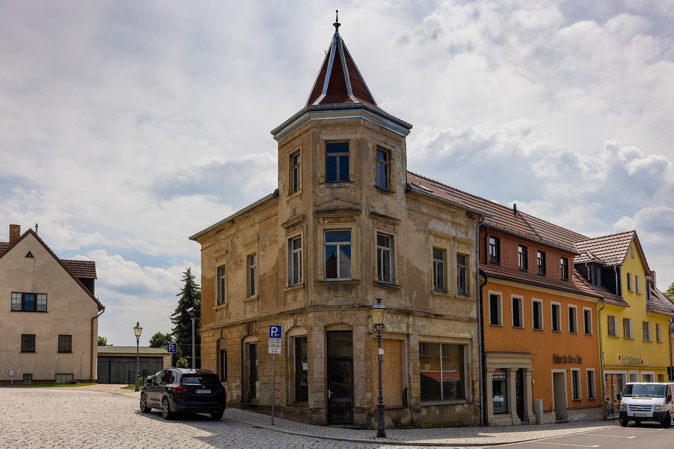 Zu den einst für 500 Euro angebotenen Häusern zählte 2015 auch die Döbelner Straße 9 in Lommatzsch im Kreis Meißen.