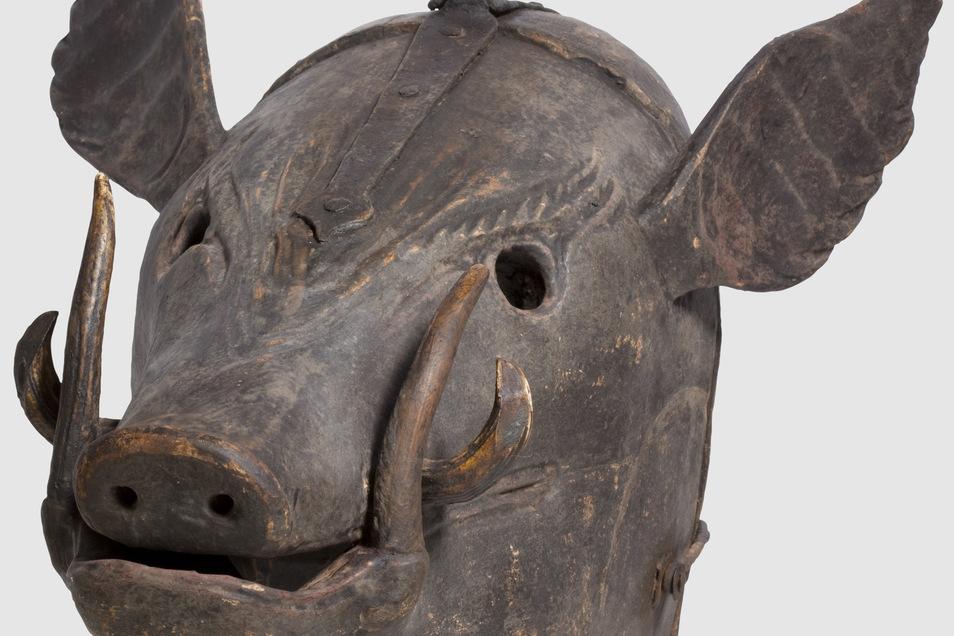 """Eine deutsche Schandmaske aus dem 17./18. Jahrhundert. Sie sollte höhnisch auf das """"viehische"""" Verhalten des Delinquenten hinweisen."""