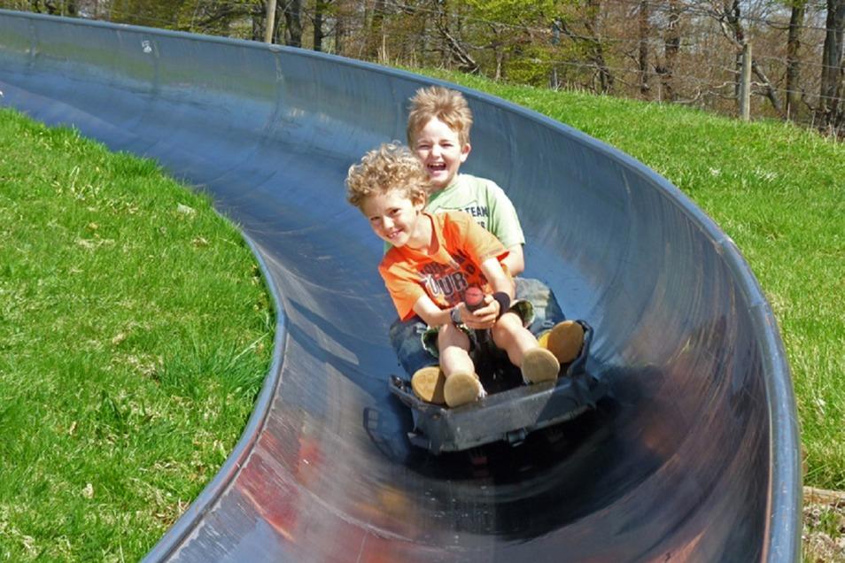 Die Sommerrodelbahnen in Altenberg und Oderwitz sind vor allem ein Spaß für Kinder.