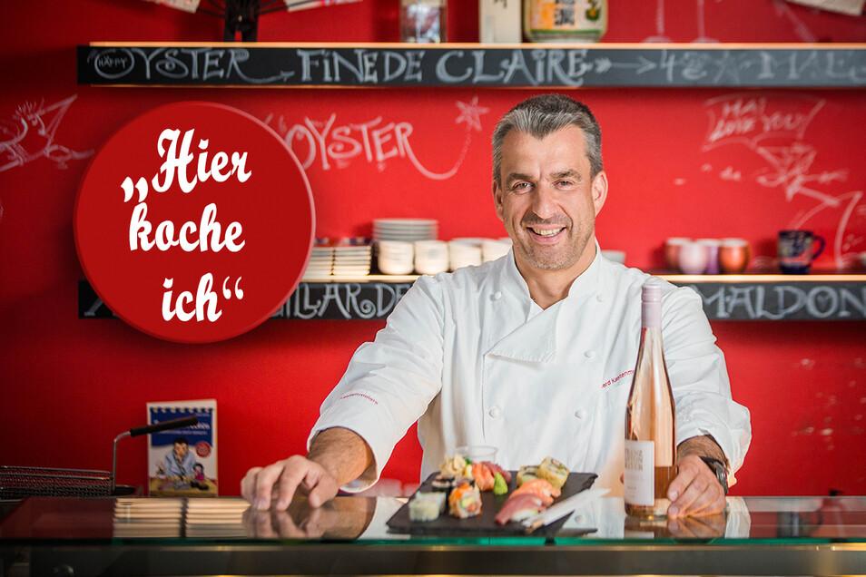 """Koch Gerd Kastenmeier mit Sushi in seinem Sushirestaurant im Taschenbergpalais. In der Serie """"Hier koche ich"""" stellen wir Dresdner Köche vor - und bieten ein Rezept zum Nachkochen an."""