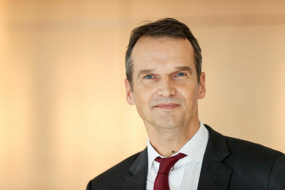 Der frühere Spiegel-Chefredakteur Klaus Brinkbäumer arbeitet seit Mitte Januar beim MDR. Der Chef der Programmdirektion sieht investigative Recherchen als Schwerpunkt.
