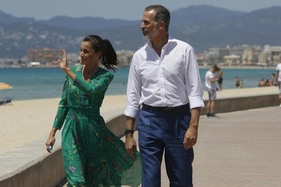 Das Königspaar hat sich am Donnerstag auf der Urlaubsinsel Mallorca über die Lage des Tourismus informiert.
