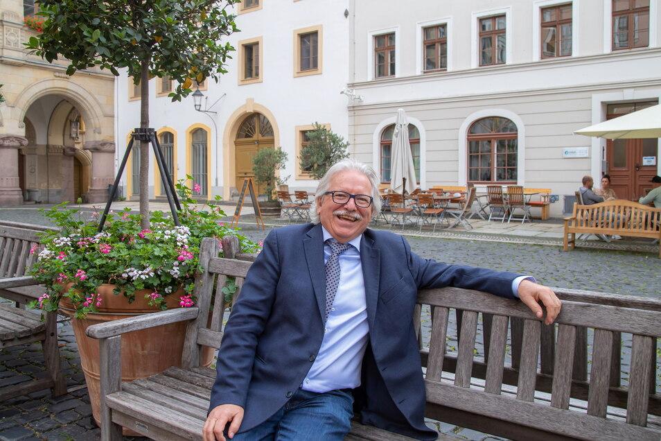 Liebster Science-Fiction-Autor von Günther Hasinger: Isaac Asimov. Aber Hasinger lässt Unglaubliches lieber real werden.