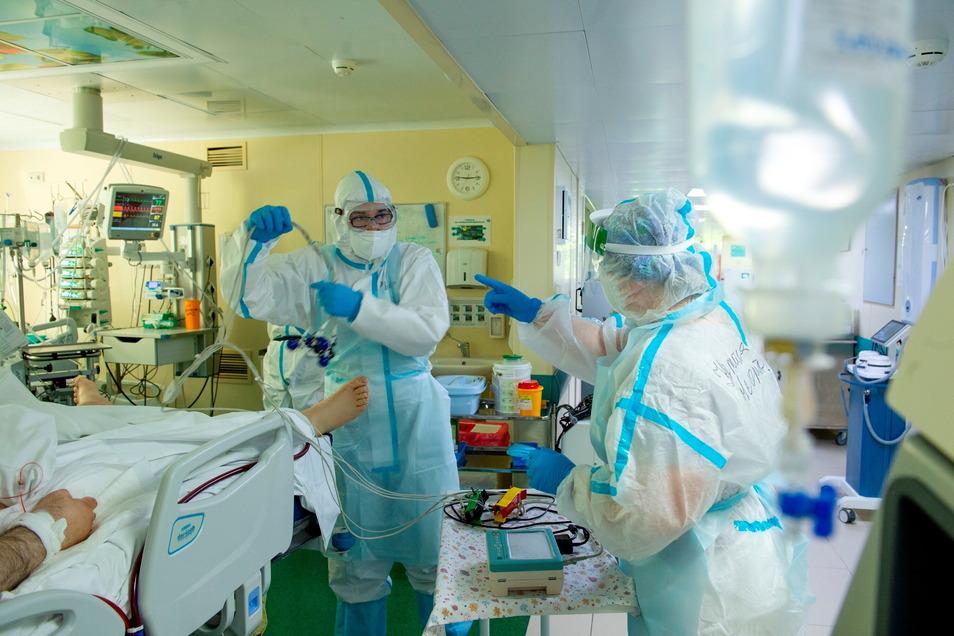 Im Oktober erwarten Experten eine vierte Corona-Welle mit Auswirkungen auch auf Krankenhäuser.