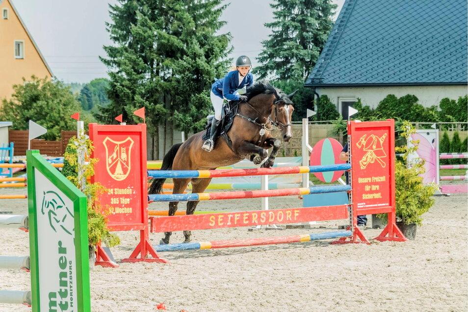 Pferdesport ist einer der Schwerpunkte des TuS Frohsinn Seifersdorf. Viele Fans hat der Verein auch.