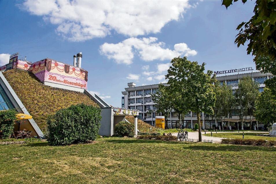 Gastronomie und Hotel im Riesenhügel werden von der städtischen Gesellschaft Magnet betrieben. Der Rechnungshof hat das kritisiert. Die Stadt kommt allerdings zur Einschätzung, die Kommune müsse den Betrieb sicherstellen.