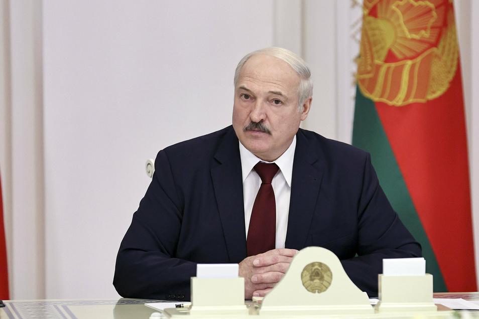 Alexander Lukaschenk, Präsident in Belarus, wird von deutschen Anwälten angeklagt: Sie fordern eine unabhängige Aufklärung im Falle von mutmaßlichen Folter- und Entführungsberichten.
