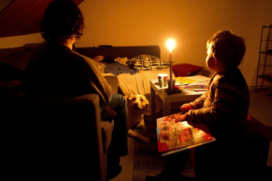 Selbst krank und knapp bei Kasse, sorgte sich eine alleinerziehende Mutter aus Bautzen um die Einschulung ihrer jüngsten Tochter. Das herzkranke Kind braucht einen teuren Spezialranzen. Die Stiftung Lichtblick half.
