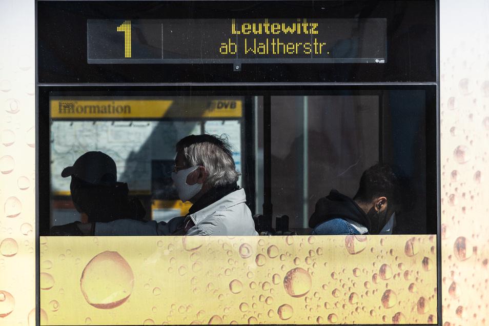 Mundschutz ist in Bahnen zwar Pflicht. Allerdings ist es nicht jedem möglich, eine Maske zu tragen. Diese Menschen sollten etwas beachten, rät Dresdens Gesundheitsbürgermeisterin.