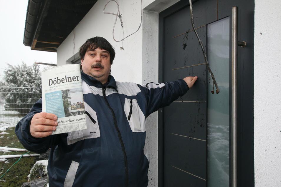 Die Freundin des Zeitungszustellers Patrick Ziera aus Waldheim hämmerte in der Brandnacht an die Tür des Eigenheims in Neuschönberg, um die Bewohner darauf aufmerksam zu machen, dass sie sich in großer Gefahr befinden.