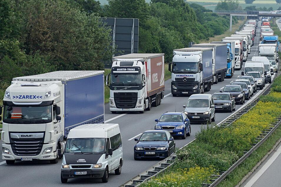 Die A4 soll ausgebaut werden. Ein Bündnis aus verschiedenen Dresdner Akteuren fordert einen Stopp.